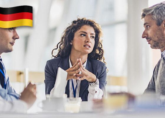 Femeie de afaceri în întâlnire