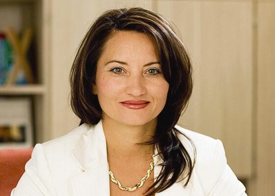 Elena Leonhardt